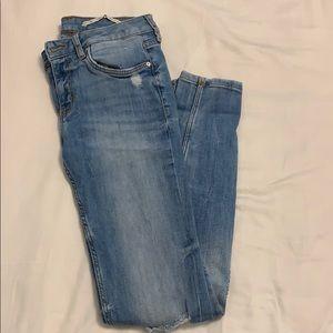 Zara classic blue jeans ripped